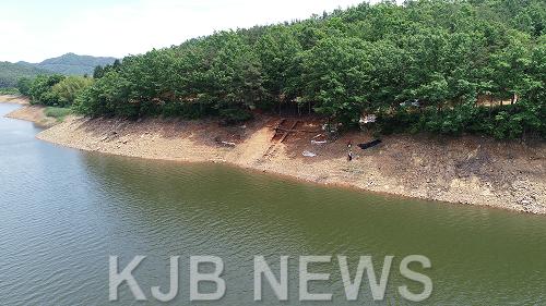 보성군문덕면봉갑리,전국최대급백자가마터발굴(유적전경).png