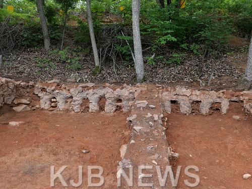 보성군문덕면봉갑리,전국최대급백자가마터발굴(가마번조실).png
