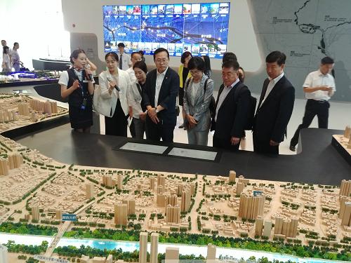 광저우시 도시계획전람센터 방문.png